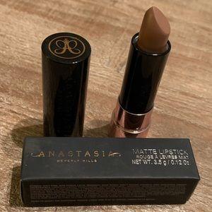 Anastasia Beverly Hills Lipstick-🦄💄♥️